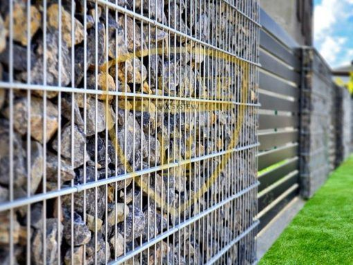 Gabion fencing with Alu Fence Opti