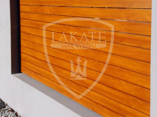 Alu wood fence – installed between solid construction