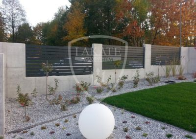 Alu fence optimal surounded by architectural concrete